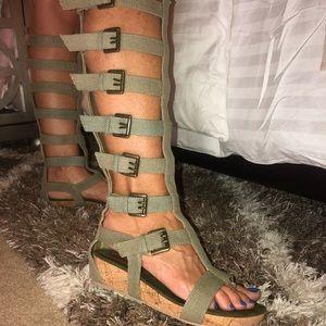 Gladiator sandals !
